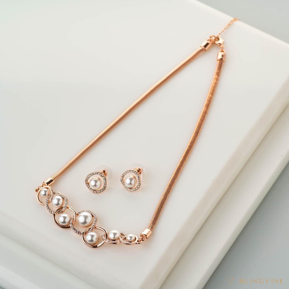 Reeva Pearl Necklace Set - Blingvine