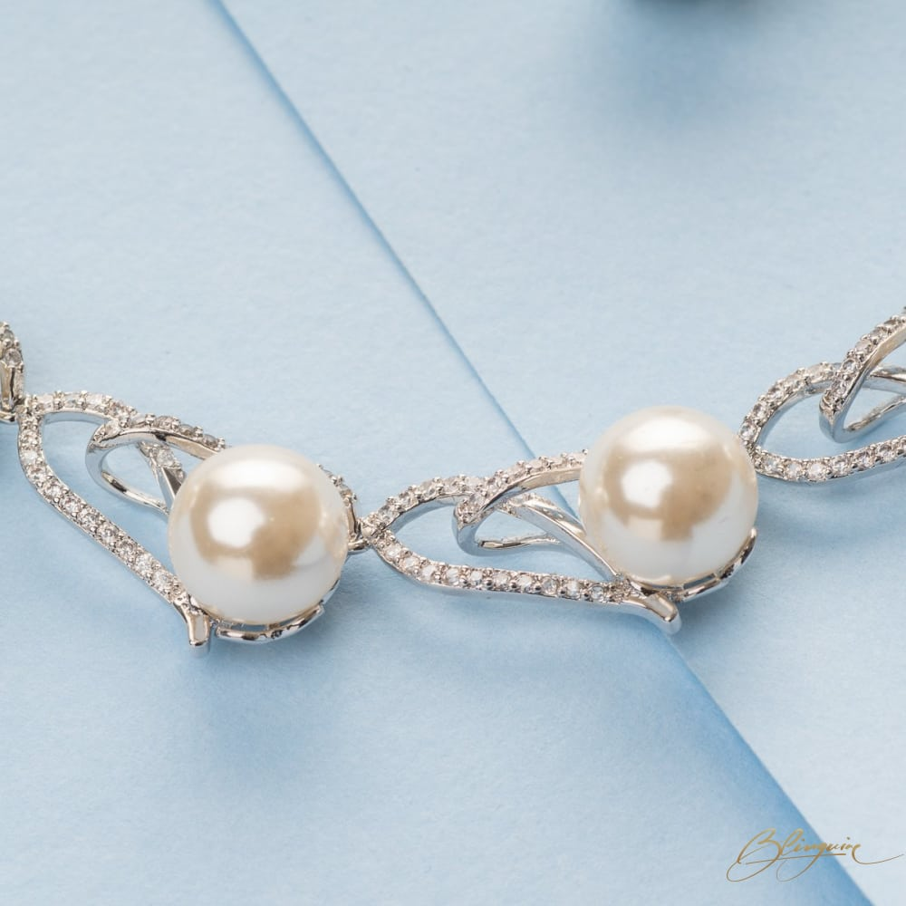 Jackeline Pearl Necklace Set - BlingVine