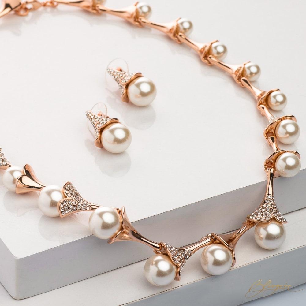Jasmine Pearl Necklace Set - BlingVine