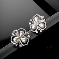 Pipa Pearl Earrings - BlingVine
