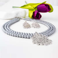 Midnight Beauty Pearl Necklace Set - BlingVine