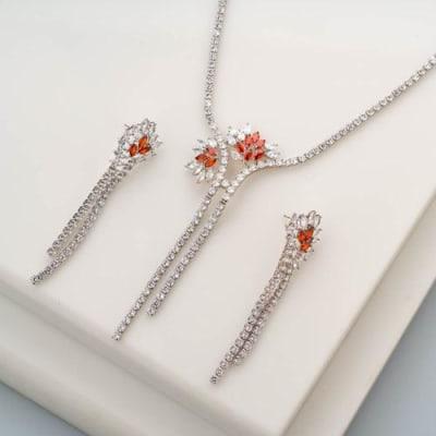 Floral Burst Crystal Necklace Set - Blingvine