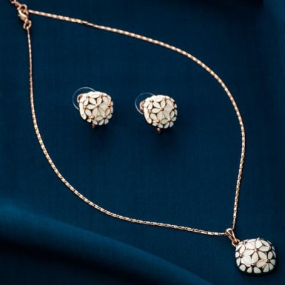 White and Bright Pendant Necklace Set - BlingVine