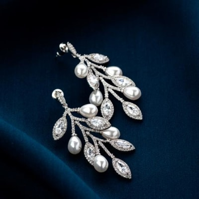Mahira Long earrings - BlingVine