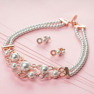 Day Dream Pearl Necklace Set - BlingVine