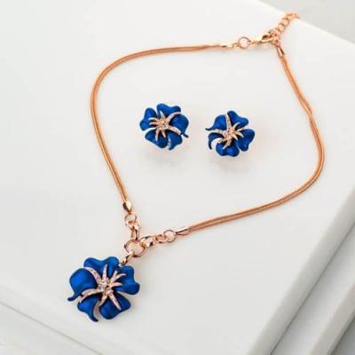 Blue Ivy Pendant Necklace Set
