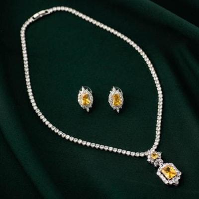 Vega Crystal Necklace Set