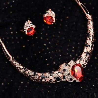 Fierce Necklace Set - BlingVine