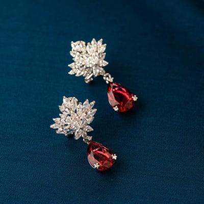 Leila Crystal Stud Earrings - Blingvine