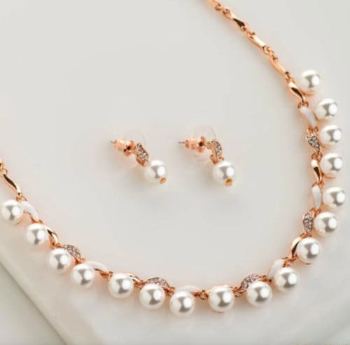 A Complete Guide to Pearls and Its Types