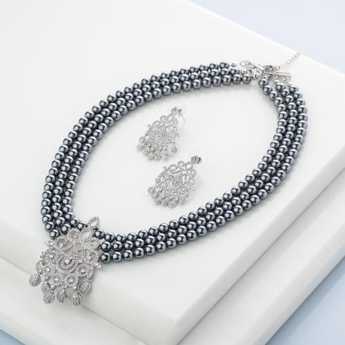 Midnight Mystique Pearl Necklace Set - BlingVine