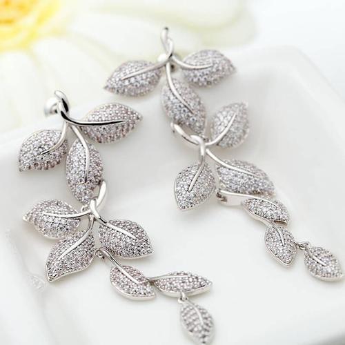Pretty Lady Earrings - BlingVine