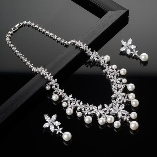 Breathless Necklace Set - BlingVine