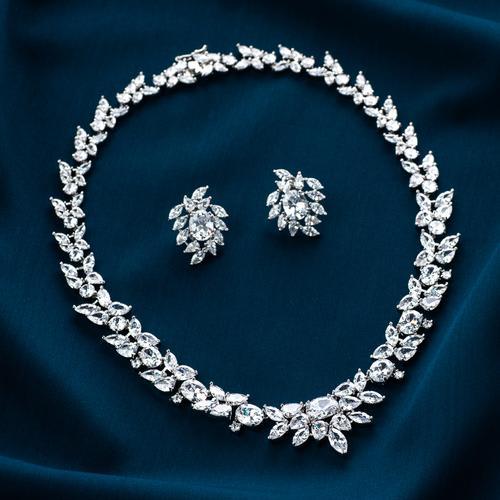 Shimmer Necklace Set - BlingVine