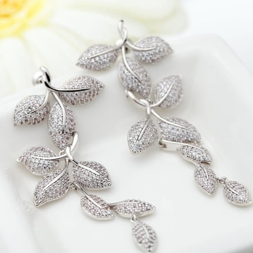 Pretty Lady Earrings - BlingVine