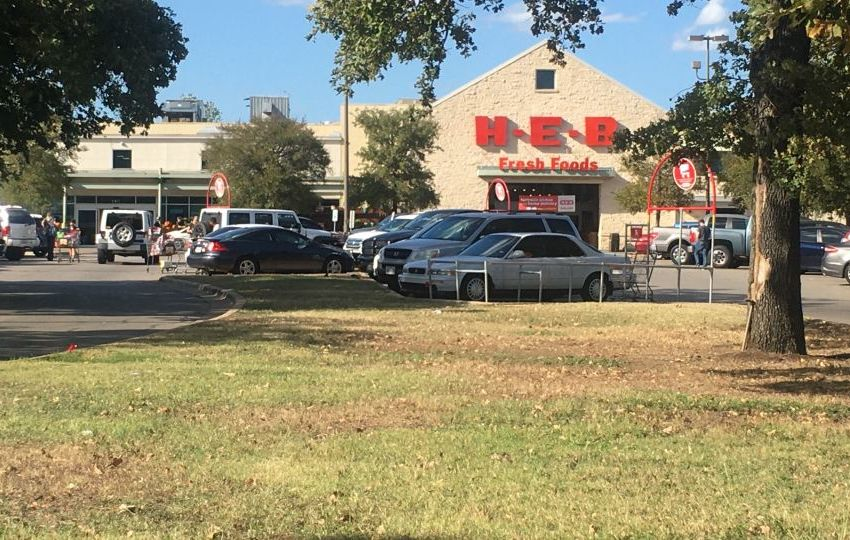 H-E-B giving pay raises to workers during COVID-19 outbreak