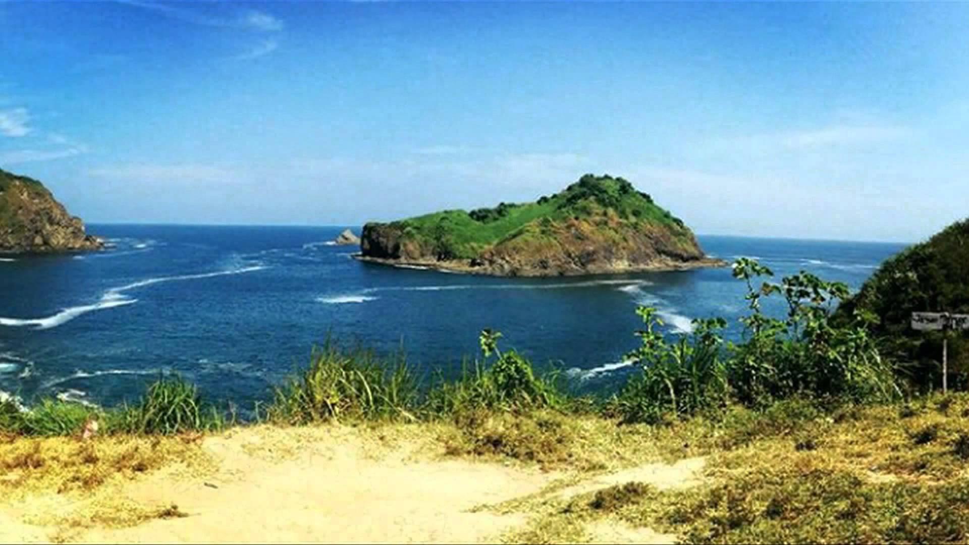 Keindahan tempat wisata di jember pantai payangan