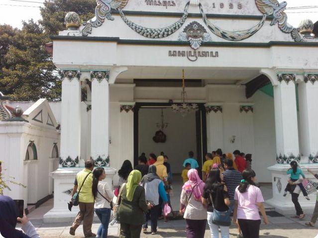 Mengunjungi Keraton Yogyakarta