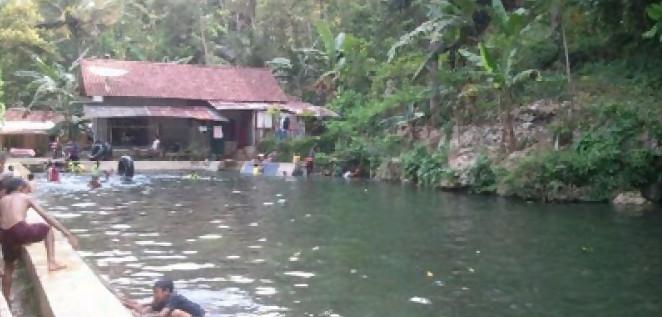 Mata Air Alang Ujung. Mata air terbesar di Kebumen menjadi sumber air kebutuhan warga (Guruh/Varia.id)