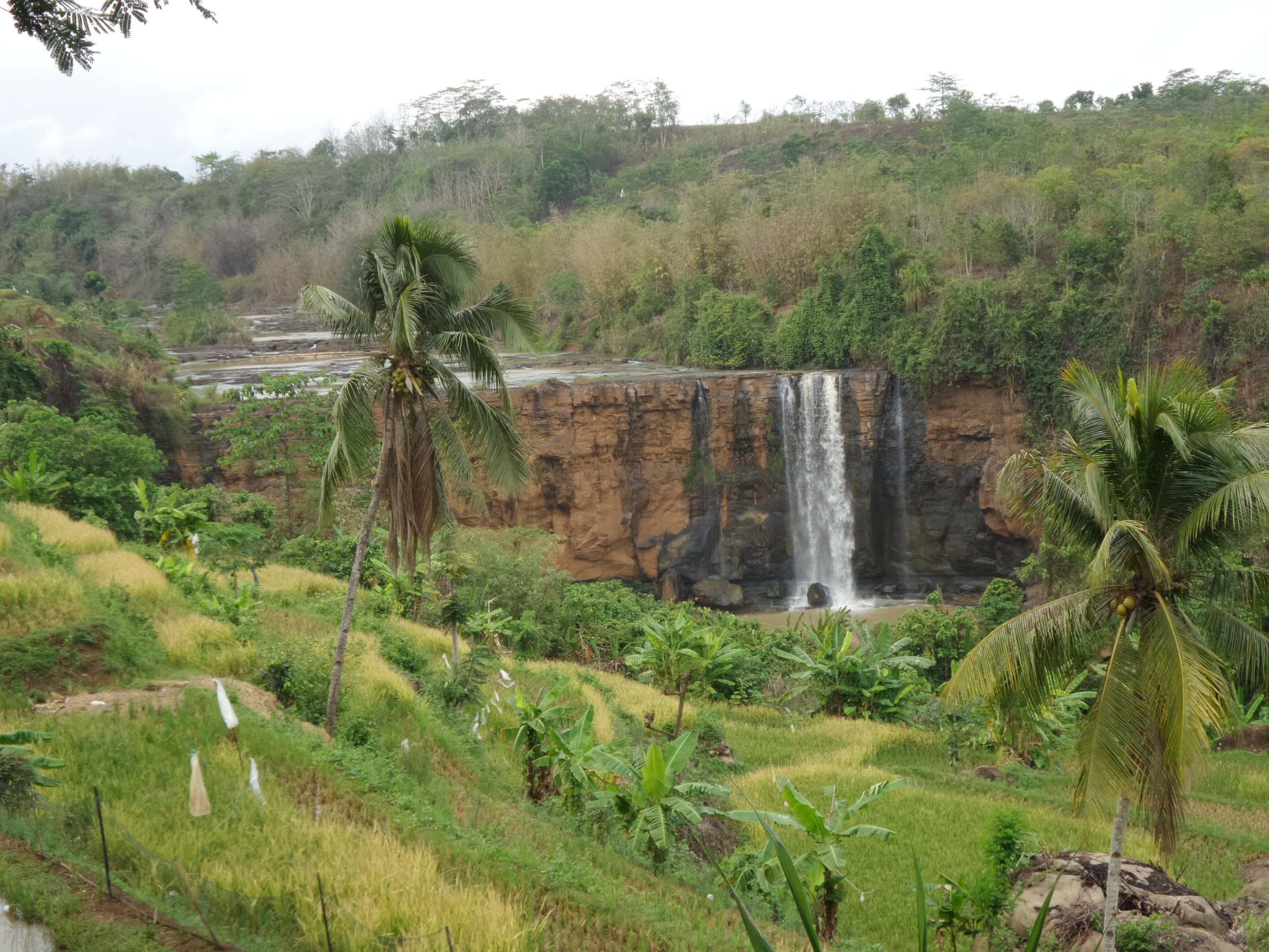 Danau Bacan jadi tempat wisata di sukabumi terbaru