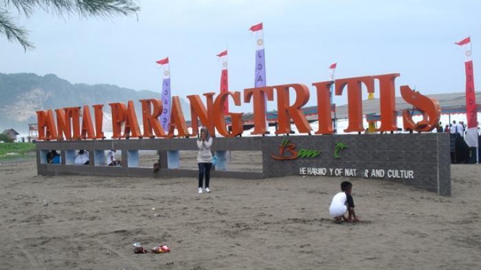 Tempat wisata pantai di jogja Parangtritis