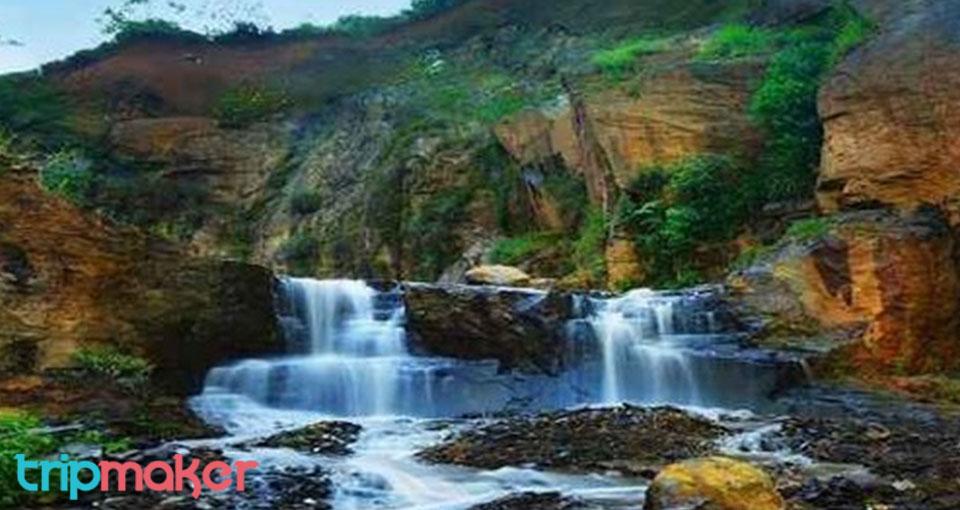 Tempat Wisata air Terjun di Bandung Curug Batu Templek