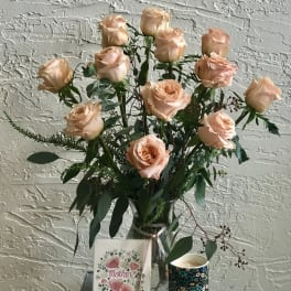 Deluxe Peach Shimmer Roses