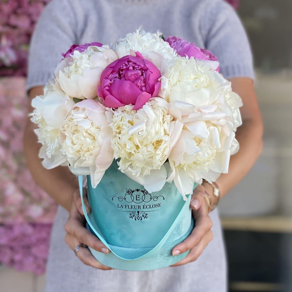 Flower Delivery by La Fleur Eclose