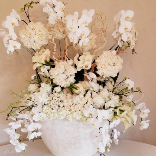 Tarzana Florist | Flower Delivery by Flowers and Designs by Gina