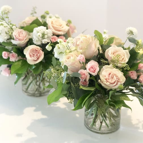 Monrovia Florist | Flower Delivery by Aquarela Gifts & Flowers