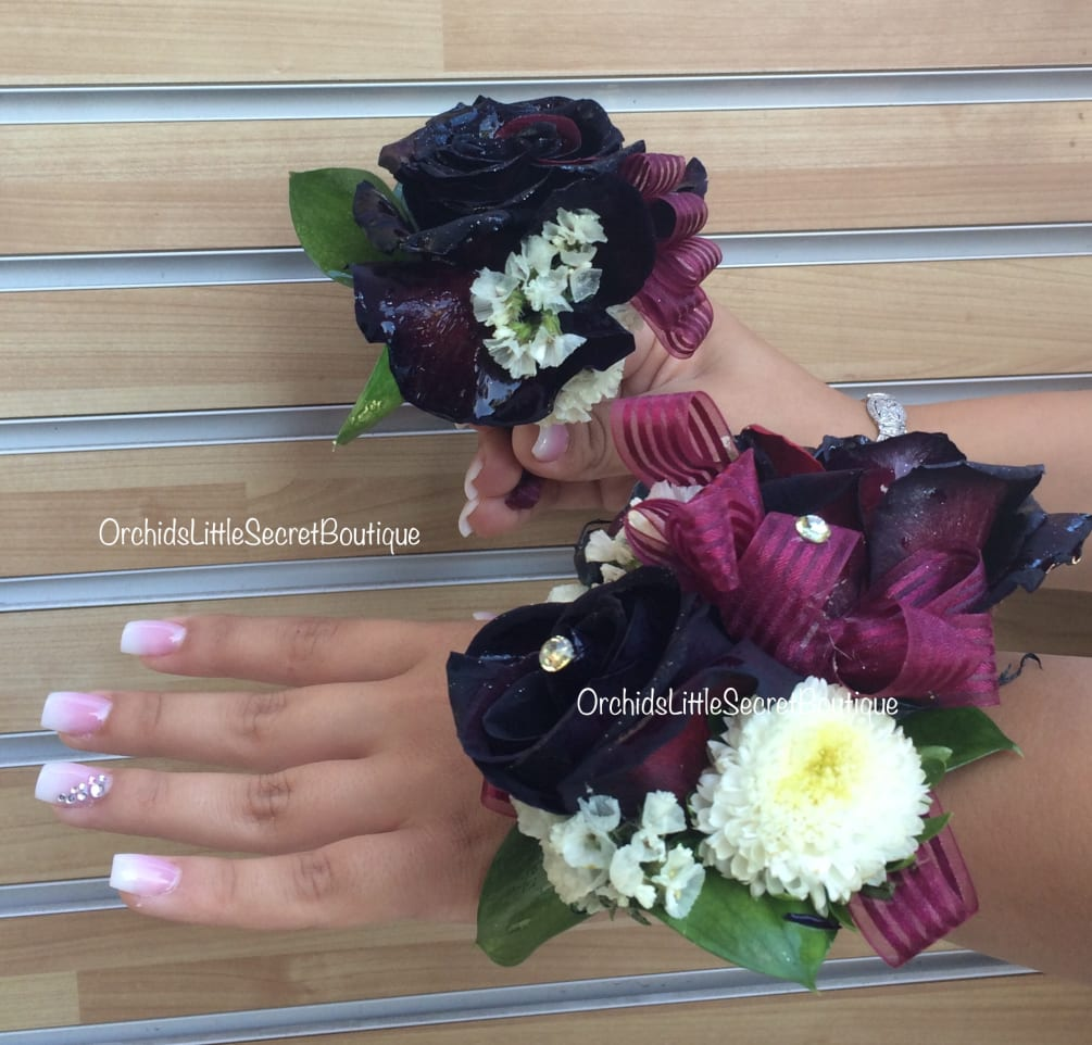 Magnetic Boutonniere Holder And Corsage Combo Black Baccara Rose By