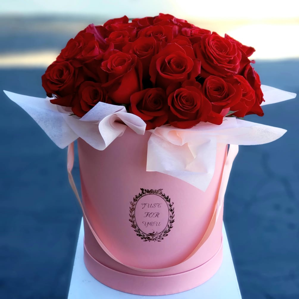Rose Bucket Of Love By Floral Design By Dave S Flowers