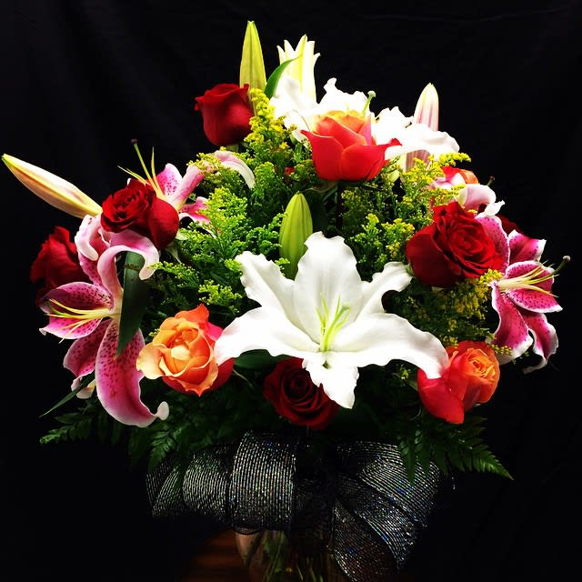 Roses Lilies Flower Bouquet In Moreno Valley Ca Garden Of