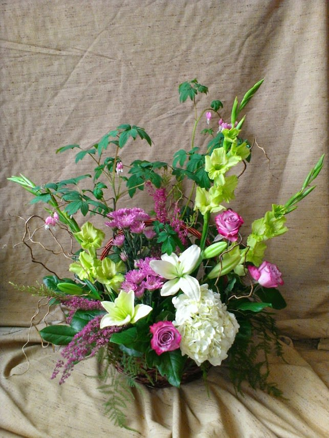 Hybrid Basket With Live Bleeding Heart Plant And Mixed Cut Flower Arrangement In Newport Or Newport Florist And Gifts
