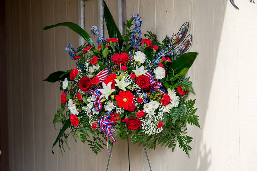 Flower Stand Designs : Patriotic funeral stand by fountain designs