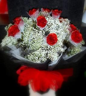 Hong Kong Style Roses Red Black White By Four Season Florist