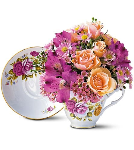 Pink Roses Teacup Bouquet By Zahns Flowers More In Daytona