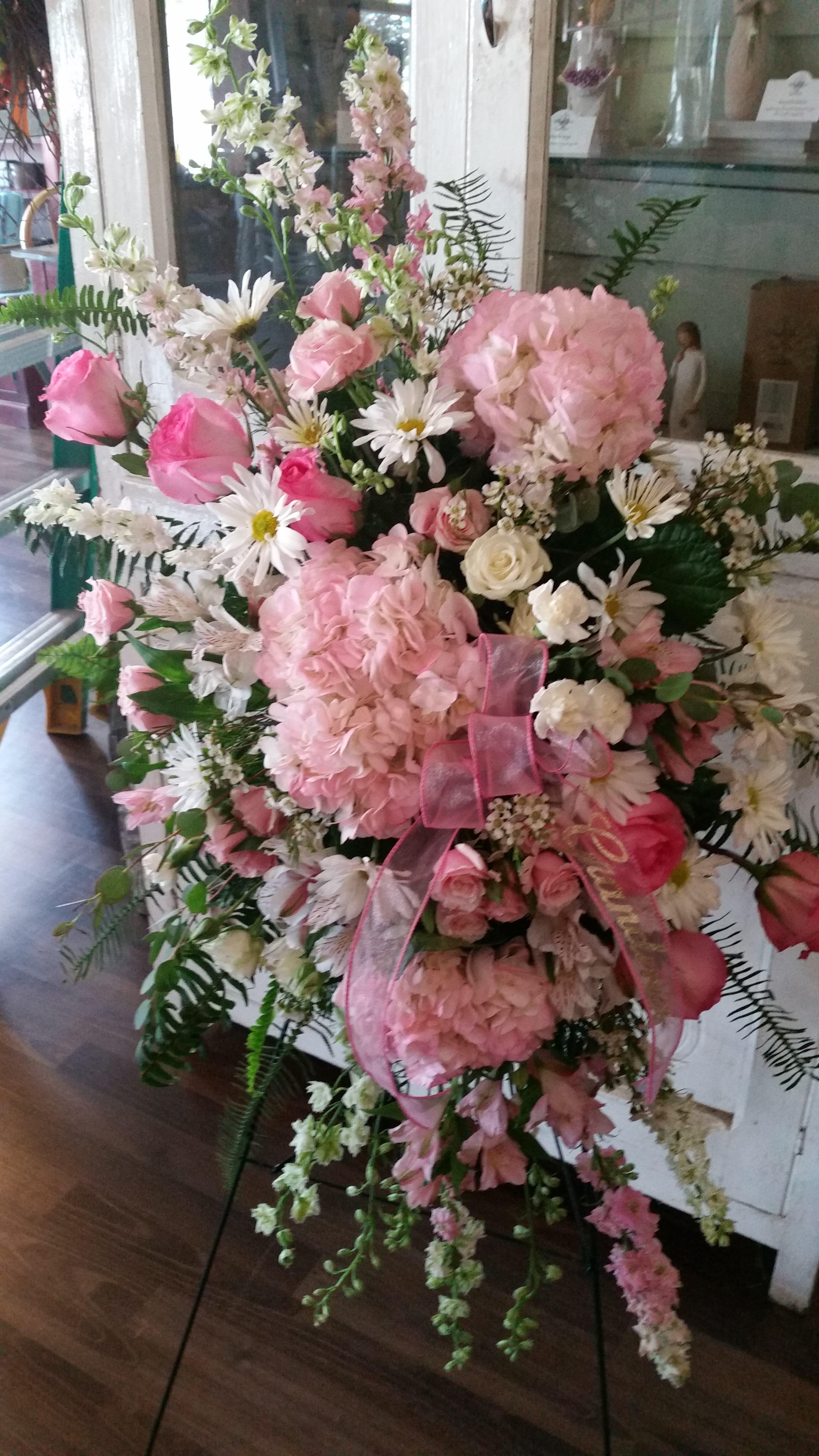 Heartfelt Memories In Keokuk Ia Willow Tree Flowers Gifts