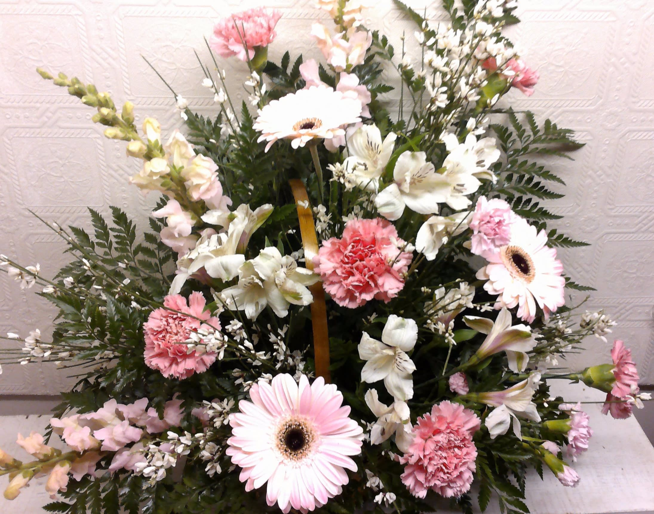 Endearing Sympathy In Keokuk Ia Willow Tree Flowers Gifts