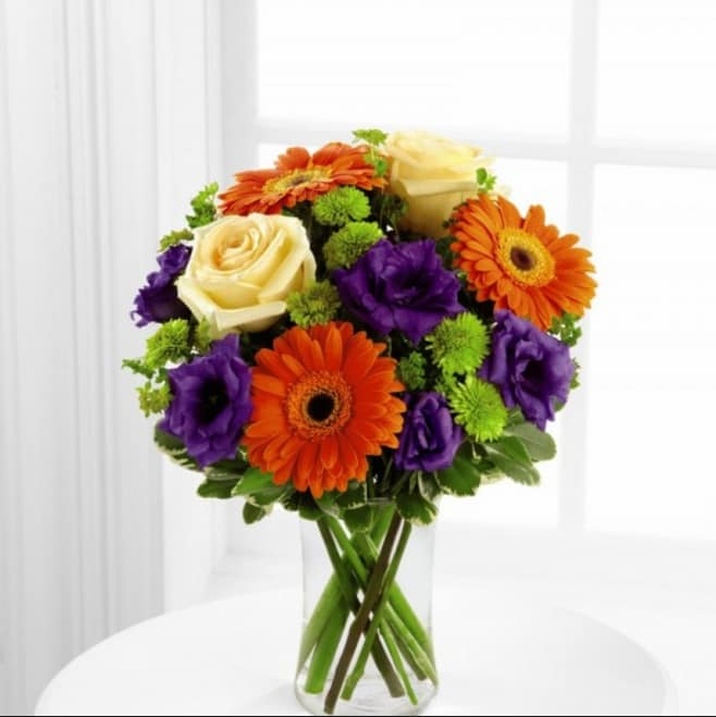 The FTD Rays of Solace Bouquet S40-4529