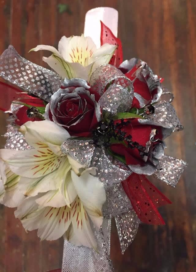 White And Red Rose Wrist Corsage In Centerville Ia Flower Tique