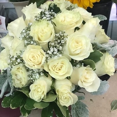 White Roses Babies Breath In Riverhead Ny La Country Flowers