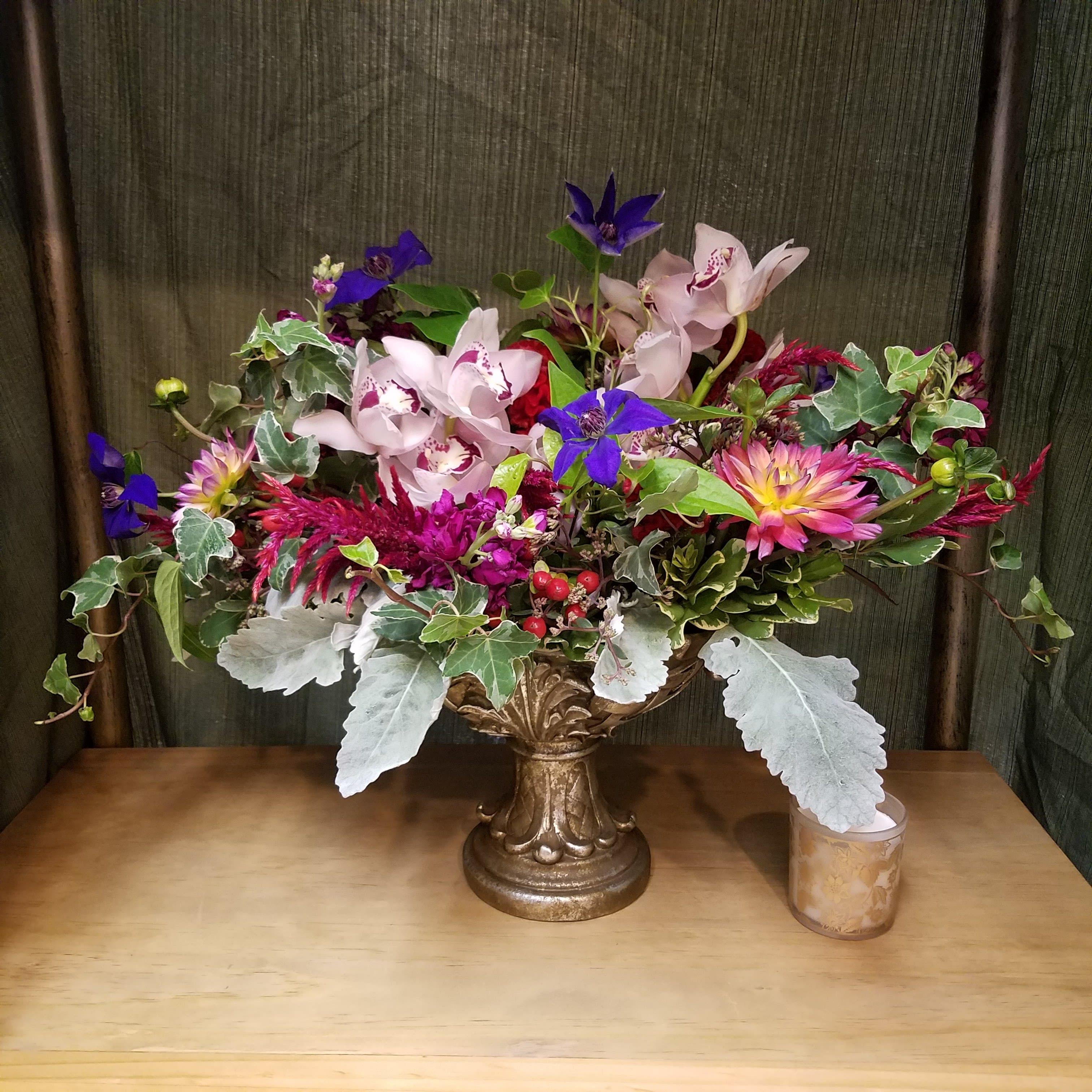 Victorian Grace In Carmel Ny Carmel Flower Shop Inc