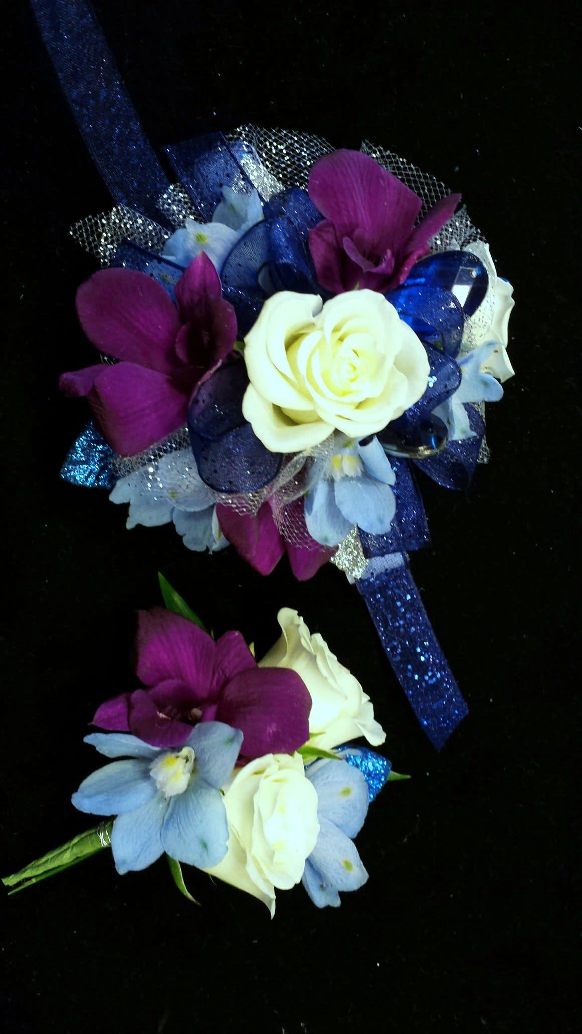 Take Me To Prom Corsage Amp Boutonniere In Uxbridge Ma 77