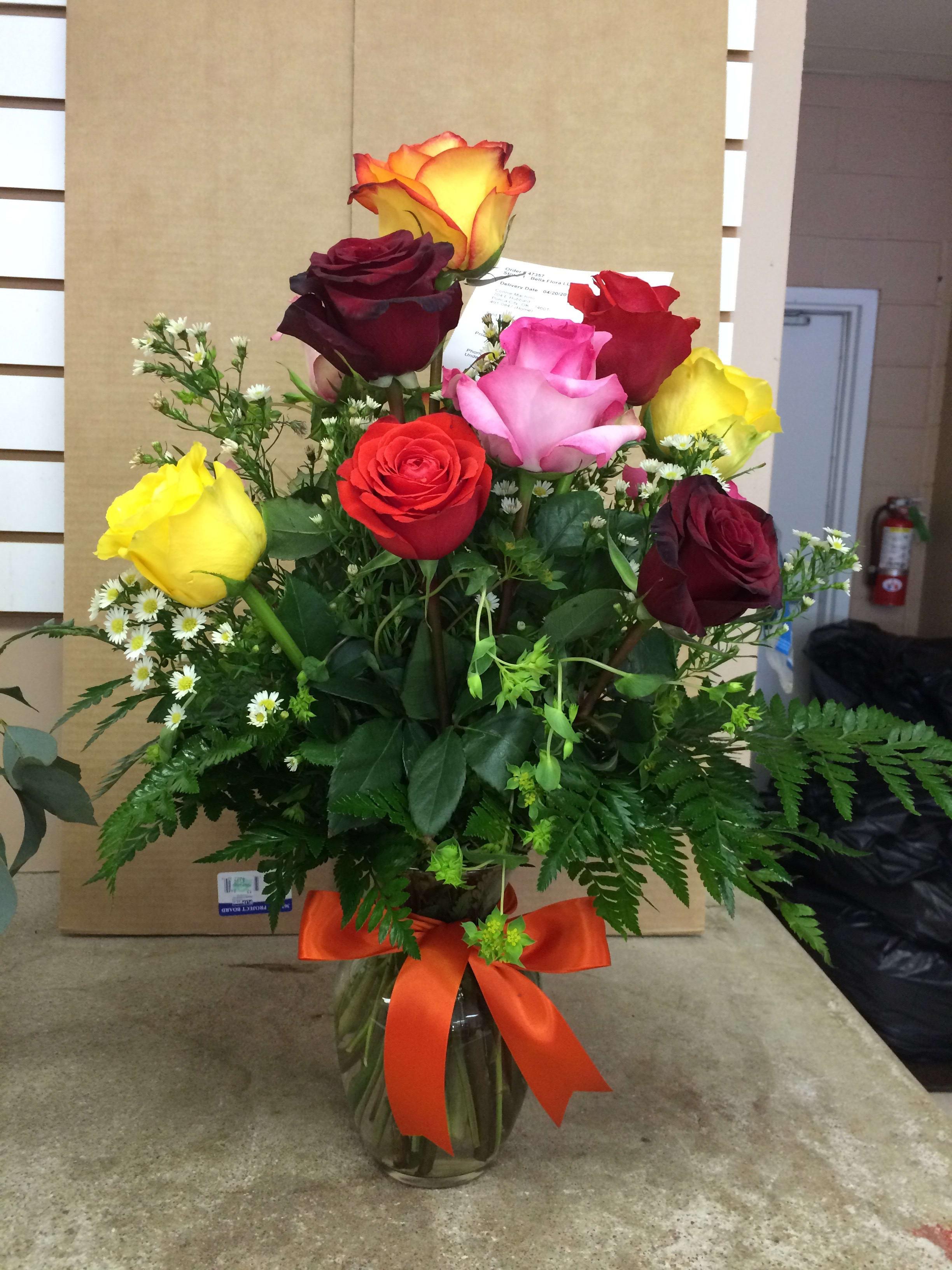 One Dozen Mixed Roses In Ponca City Ok Bella Flora Bakery