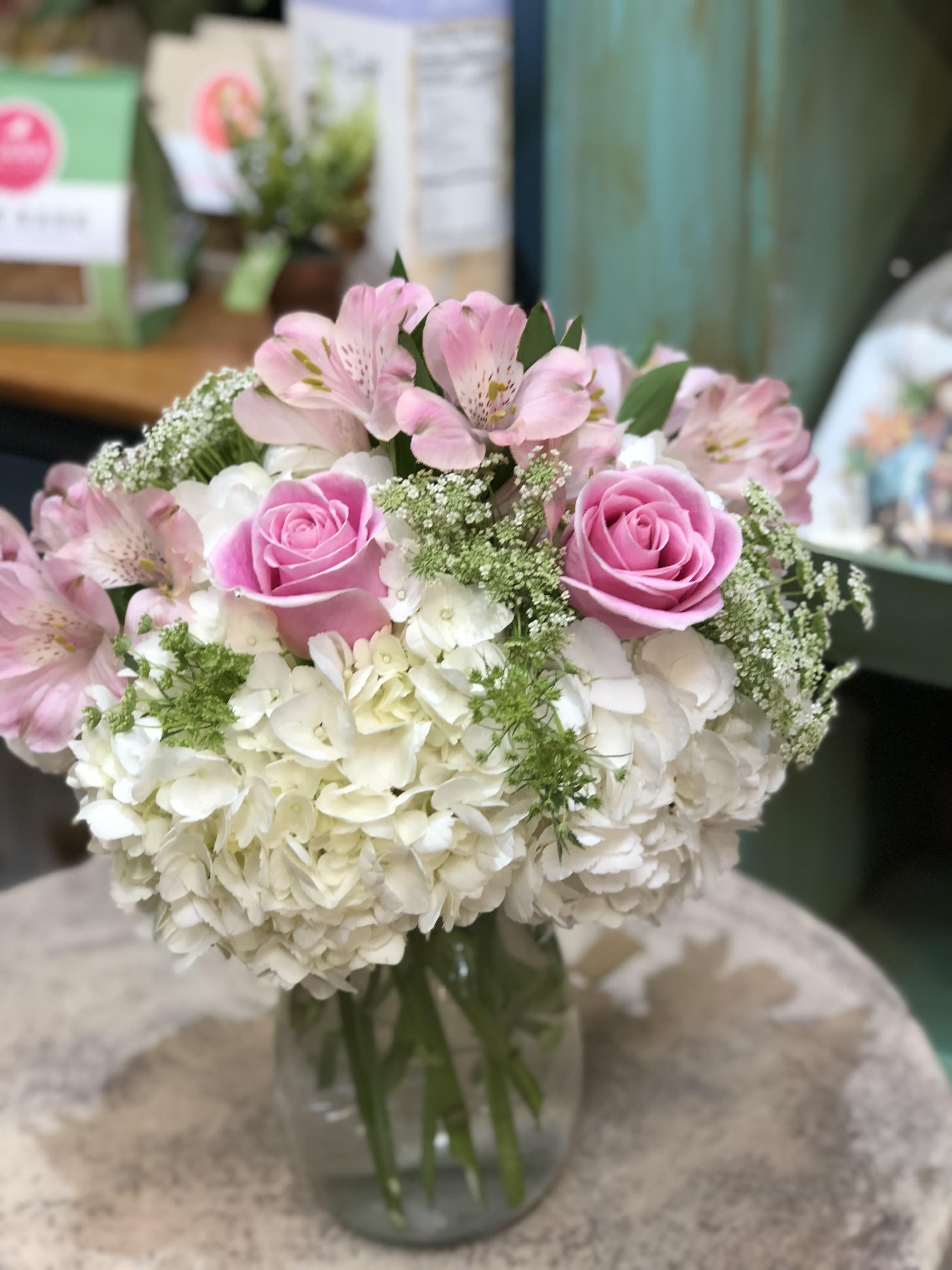 farmhouse musings: Hydrangeas |Country Hydrangeas Vase