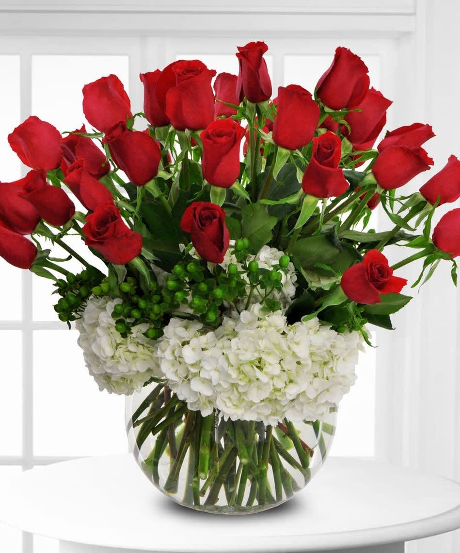 Three Dozen Roses With Hydrangea By Palm Springs Flower Mart