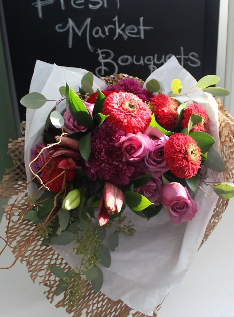 Flowercrates Holiday Fresh Flower Market Bouquet Variety By