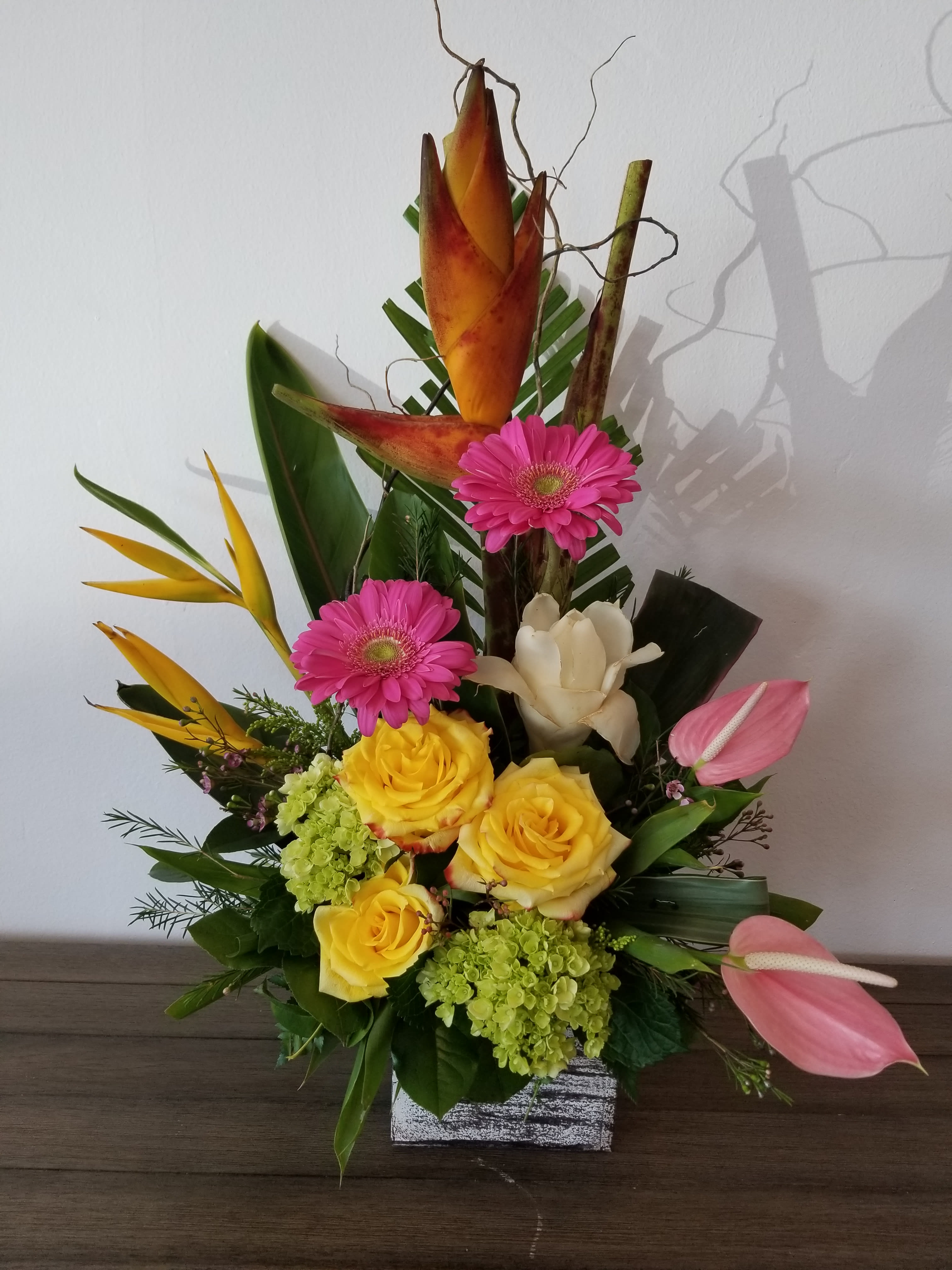 64.95 Tropical Mix - Mixed tropical flowers with traditional flowers
