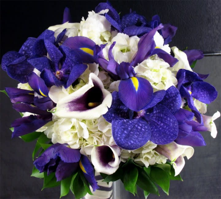 Purples And White Bridal Bouquet In San Diego Ca House Of Stemms